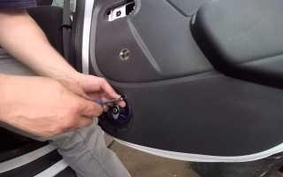 Как самостоятельно снять обшивку с дверей Рено Дастер
