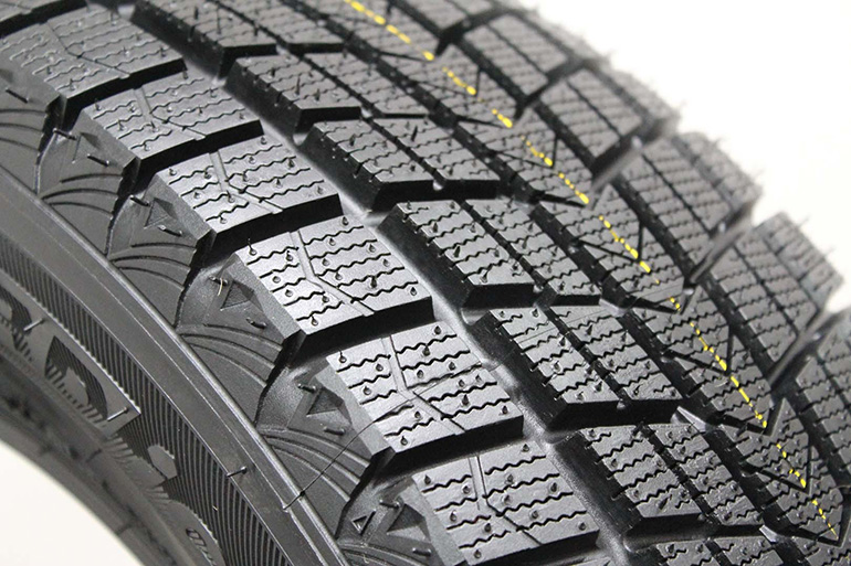 Roadstone Nexen Winguard SUV 215 65R16